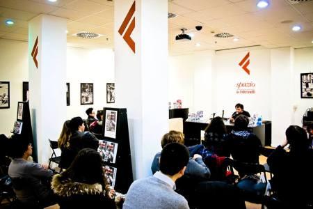 """Presentando """"Il tempo della musica ribelle"""" alla Feltrinelli di viale Libia a Roma, 15 gennaio 2013"""