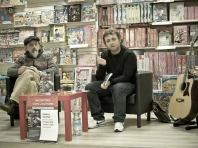 Presentando Il tempo della musica ribelle alla Mondadori di Fondi con Pierluigi Moschitti, 9 dicembre 2012